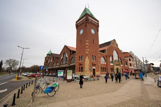 Hala Targowa-mercato coperto-Breslavia