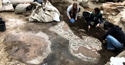 Ψηφιδωτό δάπεδο και τμήματα τοιχογραφίας βρέθηκαν στη Μεγάλη Βασιλική του Plovdiv