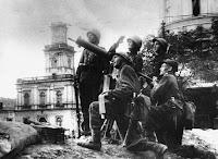 Soldados polacos defendiendo Varsovia
