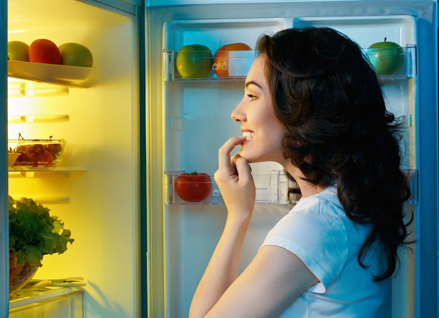 Hindari Makan Malam Sebelum Tidur
