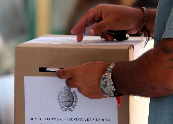 """Los candidatos mendocinos deben presentar su """"Ficha Limpia"""" para las próximas elecciones"""