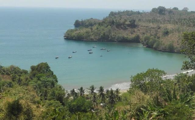 Pantai Brumbun – Object wisata pantai