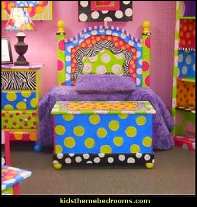 Funky Children's Collection  polka dot bedroom decorating ideas - polka dot wall decals -  polka dot bedroom theme - bedroom circles - polka dots decor  - polka dot wall murals - polka dot bedding - Polka Dot decals - polka dot walls -