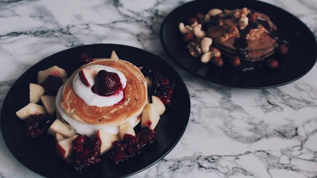 pancakes, frühstück, rezept, breakfast, fitness, pfannekuchen, vanessa worth, schokoladde, peanutbutter, fruits, früchte, protein, proteinreich, deutsche blogger