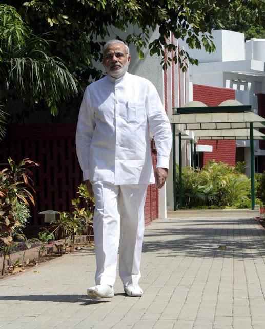 भारत के सबसे लोकप्रिय प्रधानमंत्री नरेन्द्र मोदी का जीवन कहानी