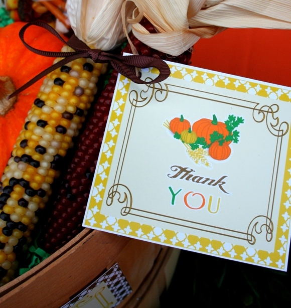 Thanksgiving party ideas - via BirdsParty.com