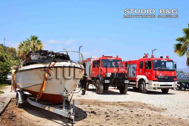 Πυρκαγιά σε πάρκινγκ σκαφών στον Γαλατά - Επιχειρούν δυνάμεις και από την Αργολίδα