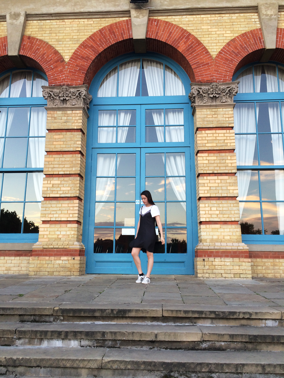 fashion blogger, ally pally, slip dress and white t-shirt adidas superstars zara h&m