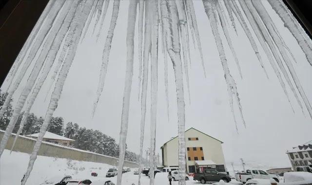 الأرصاد الجوية تحذر من الصقيع والثلوج في 4 ولايات تركية