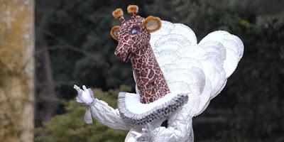 indizi giraffa cantante mascherato