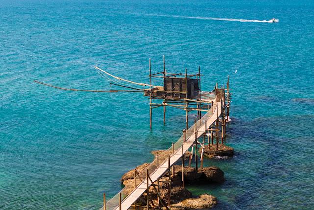 Trabocco nella Riserva Naturale Regionale di Punta Aderci-Vasto