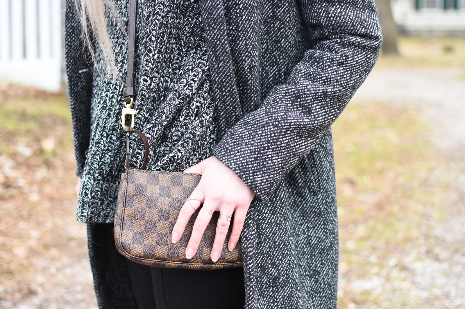 OOTD featuring a long Zara coat, Zara leggings, Zara booties, and a Romwe sweater. Louis Vuitton Pochette crossbody.