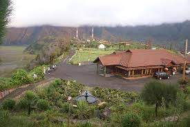 http://www.wisatabromo.my.id/2015/06/hotel-lava-view-lodge-bromo.html