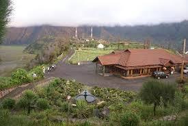 http://www.wisatabromo.my.id/2015/06/hotel-lava-view-lodge-bromo.html
