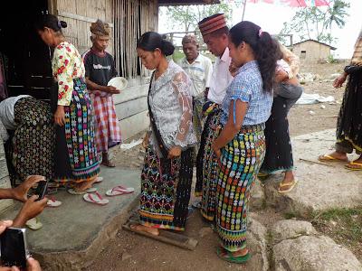 Acara roko adat pernikahan  Kabupaten Manggarai Provinsi NTT