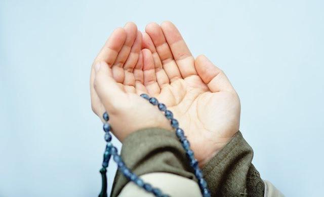 Wahai Saudaraku, Janganlah Dirimu Terlena Akan Pujian, Karena Bisa Jadi Itu Bahaya Untukmu