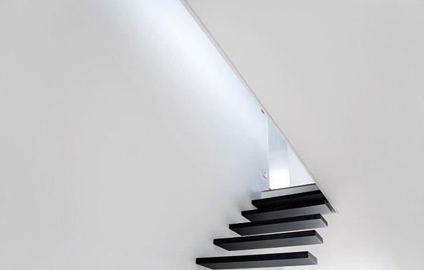 https://1.bp.blogspot.com/-wkQWiuZJGt8/WJxErY465LI/AAAAAAAACoI/RhbtvQmHFFgTAUrUisax7fgNcUhrFmN5gCLcB/s1600/creative-staircase-designs-21-1.jpg