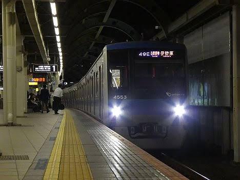 【ダイヤ改正で新設】4000形の各駅停車 伊勢原行き