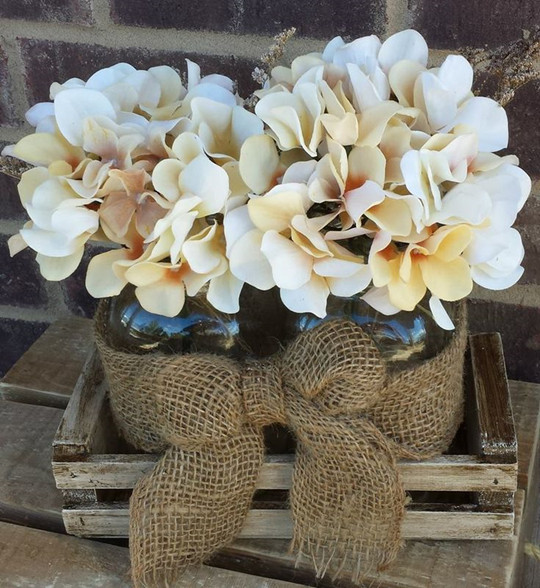 rustic wedding Mason jar centerpiece flower