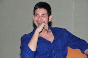 mahesh babu at brahmotsavam event-thumbnail-10