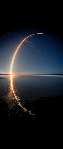 Cảnh phóng vệ tinh Starlink của SpaceX vào không gian (Hình nền tiết kiệm pin cho màn AMOLED)