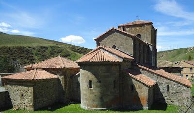 Cabecera Colegiata Santa María de Arbas. Románico en el Camino del Salvador