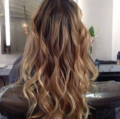 dark golden blonde hair with highlights