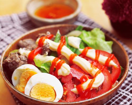 Salat trộn thịt bò