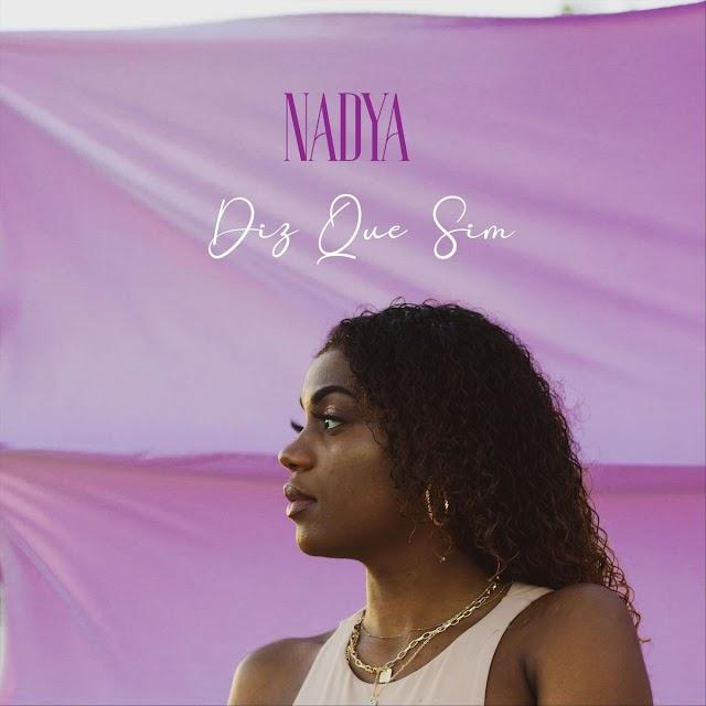 DOWNLOAD Mp3: Nadya - Diz Que Sim [Zouk]