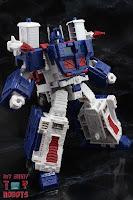 Transformers Kingdom Ultra Magnus 12