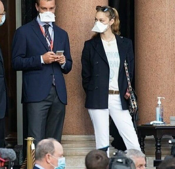 Beatrice Borromeo wore Christian Dior sisterhood ivory global t-shirt,  and Superga shoes, she carried Dior Diorodeo flap bag