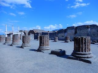 ポンペイ遺跡 Basilica