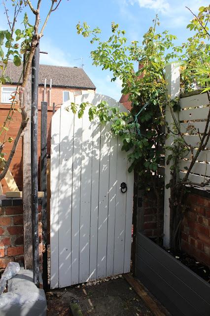 How to renovate a garden gate