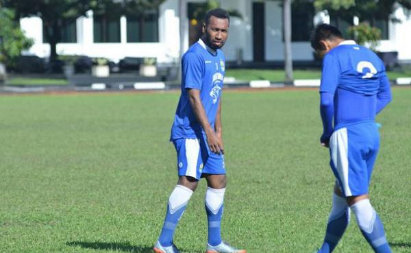 Patrich Wanggai Gabung Ikut Latihan Persib Bandung, Sinyal?