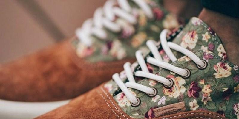 tenis e sapatos florais