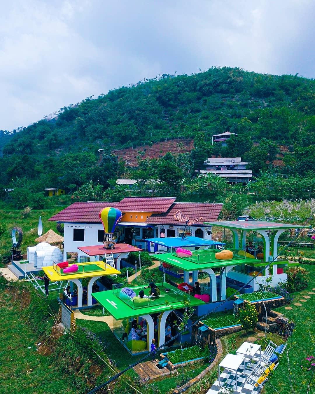Mendaki Kopi Cafe Gunung Salak Bogor