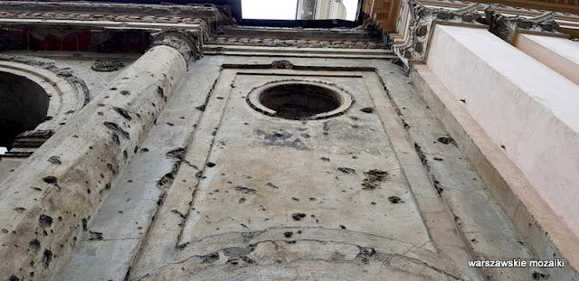 ślady po kulach pociskach Warszawa Warsaw Śródmieście architektura architecture kamienica kamienice