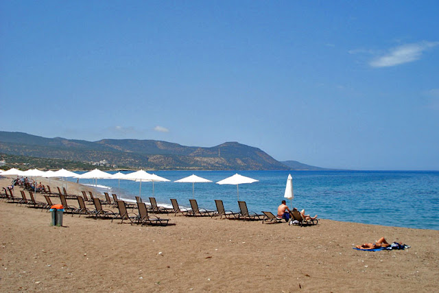 شاطئ بوموس - قبرص