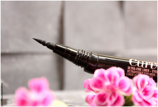 Curvitude Liner, mine ultra-fine de l'eyeliner feutre de Maybelline - Blog beauté