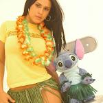 Andrea Rincon, Selena Spice Galeria 13: Hawaiana Camiseta Amarilla Foto 11