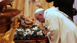 Paus Fransiskus: Pandemi Tak Bisa Padamkan Cahaya Natal