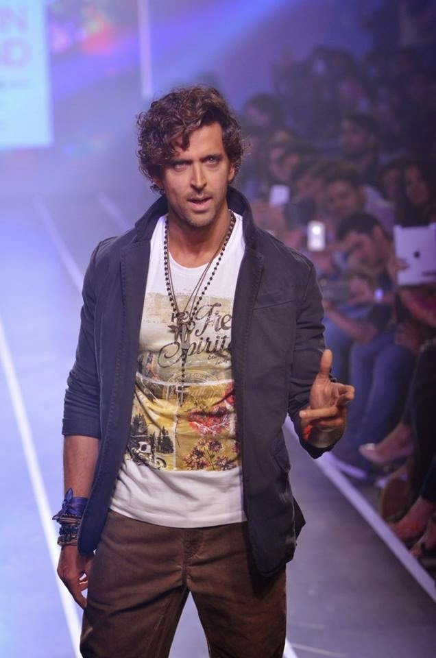 Hrithik Roshan walks for HRX at Myntra Fashion Weekend 2014 Finale