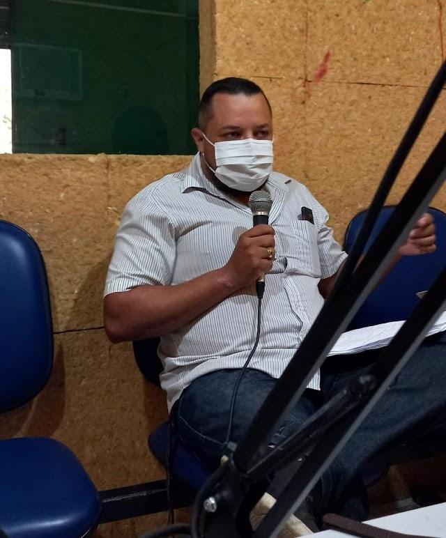 """Elesbão Veloso- Contra a Covid-19, coordenador da Vigilância Sanitária Danilo Sousa diz que município seguirá decreto do governo e pede apoio da população: """"a doença ainda está aí"""""""