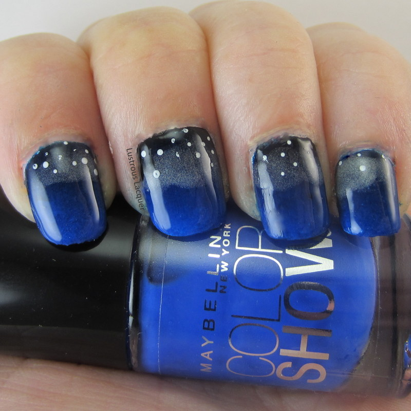 Gradient-manicure-black-and-blue-nail-polish