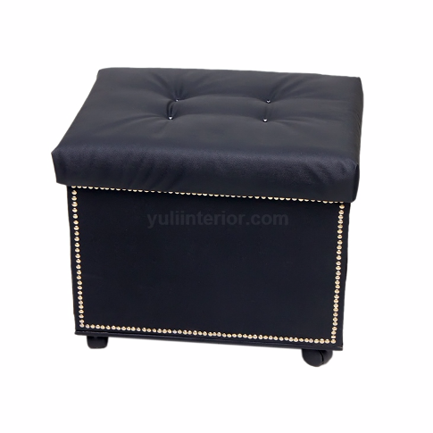 Black Tufted Storage Ottoman in Port Harcourt, Nigeria