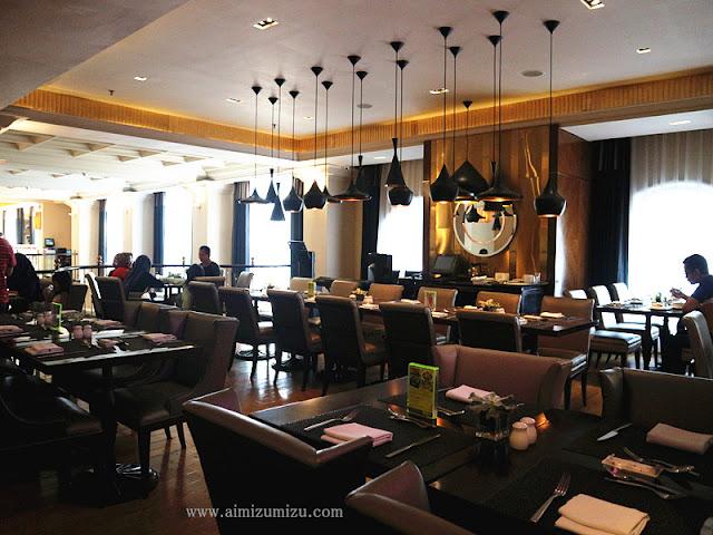 Le Gran Cafe