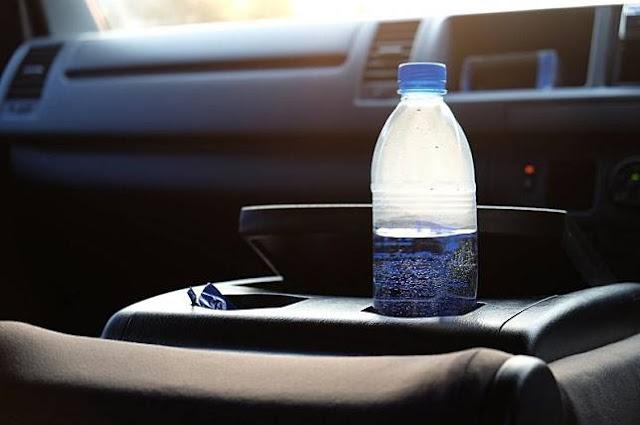 air minum di mobil