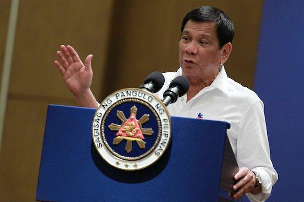 Lewat Pidato, Duterte Kembali Ancam Bunuh Para Uskup