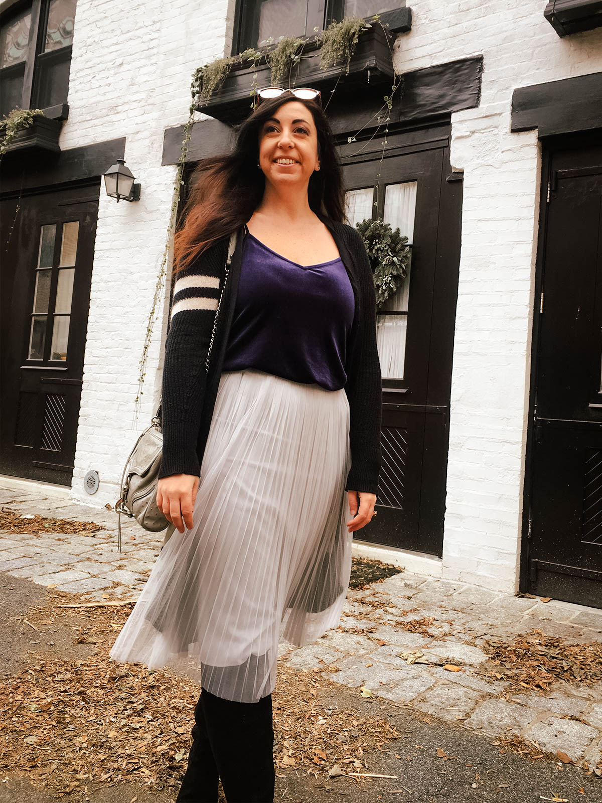 Three Outfit Ideas for Pleated Midi Skirts in Fall and Winter :: Effortlessly with Roxy