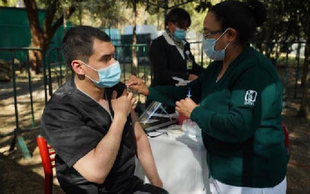 El personal educativo de Coahuila, Chiapas, Nayarit, Tamaulipas y Veracruz, será inmunizado con una dosis única, informó la titular de Educación, Delfina Gómez Álvarez.